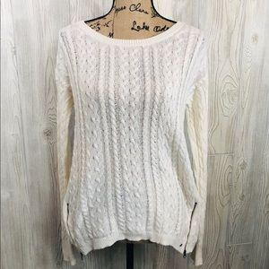 American Eagle Pull over Sweater